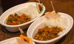 イベント後に提供された野菜カレーのお米は、お店の利用者の方が実家から取り寄せたもの。地域に溶け込んでいることが伝わります