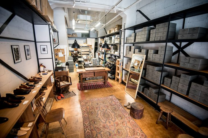 RENDOの内部。もともとは靴屋の倉庫だった場所を改装し、工房兼店舗に