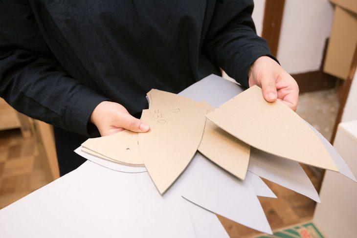 帽子の元となるパターン(型紙)も常に修正を加え、よりよくしていきます